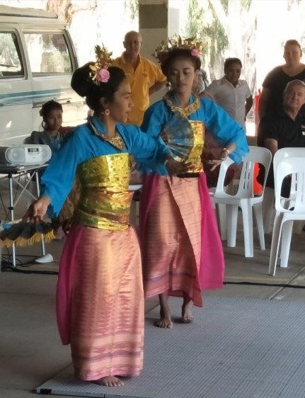 Indonesian Dancers 2